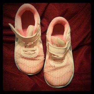 Nike toddler size 8